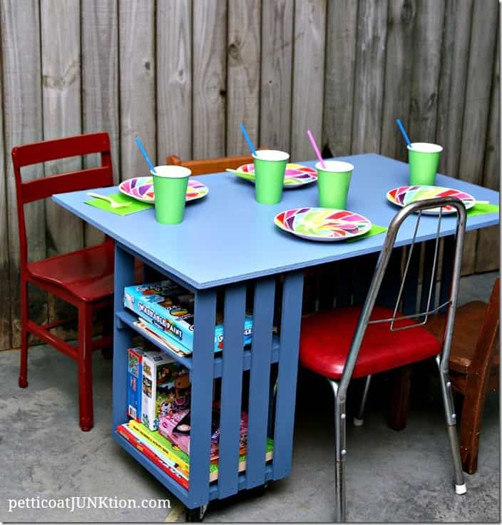 crate and pallet table Petticoat Junktion