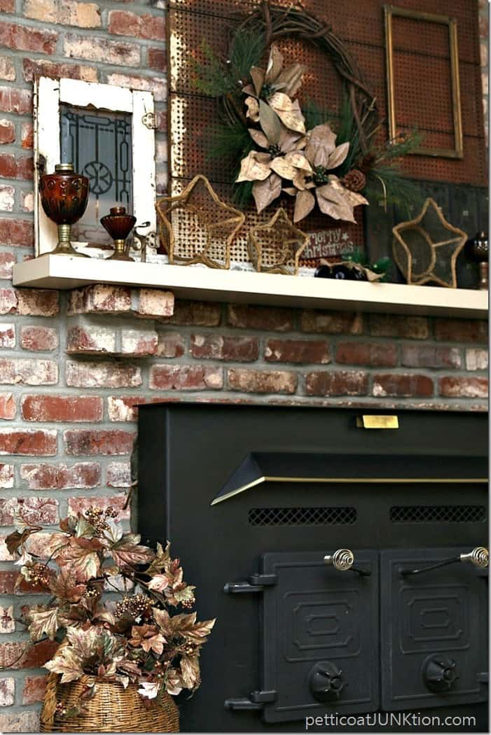 decorating the mantel for the holidays Petticoat Junktion