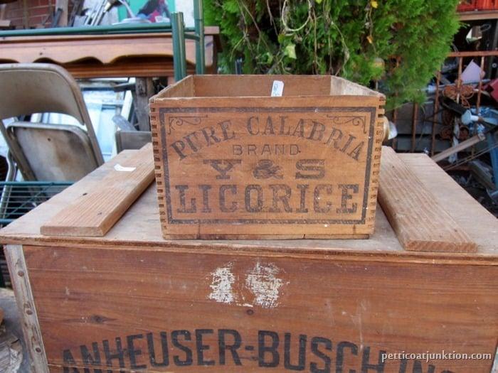 wood box Petticoat Junktion