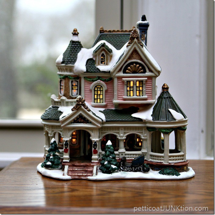 Christmas Village Lighted House Petticoat JUnktion