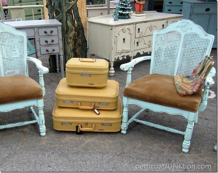 vintage suitcases Nashville Flea Market shopping trip Petticoat Junktion
