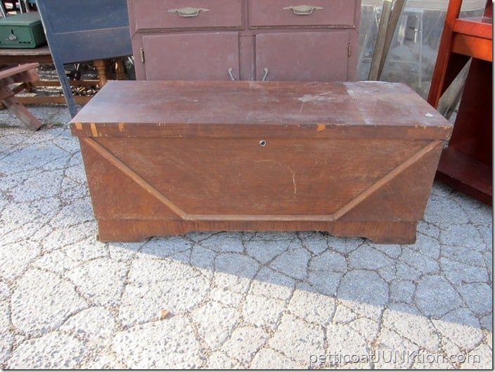 Lane Cedar Chest shopping find Petticoat Junktion