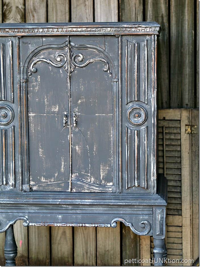 The-Gray-Cabinet-Its-all-in-the-details-Petticoat-Junktion_thumb_1