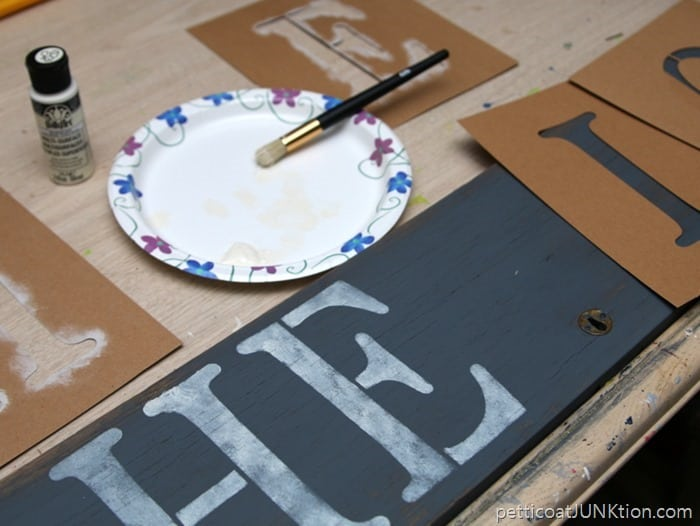 stenciling hello sign Petticoat Junktion