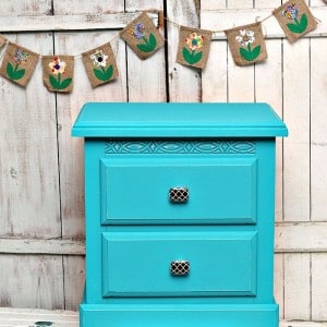 Decorative Knobs Add Charm To Painted Furniture