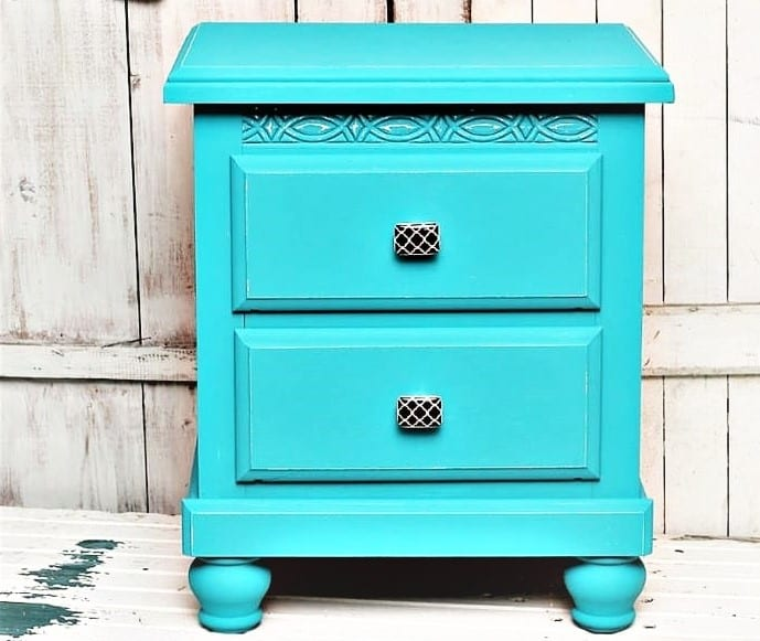 how to paint furniture and change the knobs