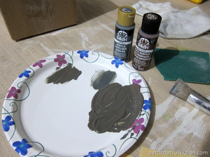 mixing paint Petticoat Junktion