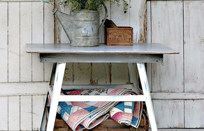 faux-weathered-wood-finish-Petticoat-Junktion-themed-furniture-project-makeover_thumb.jpg