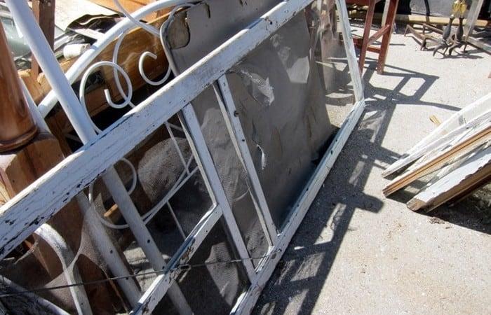 shabby-white-screen-door-latest-junk-treasure-Petticoat-Junktion-favorite-junk-shop_thumb.jpg