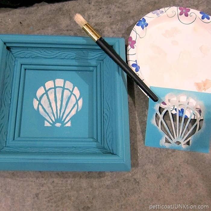 stencil a seashell Petticoat Junktion