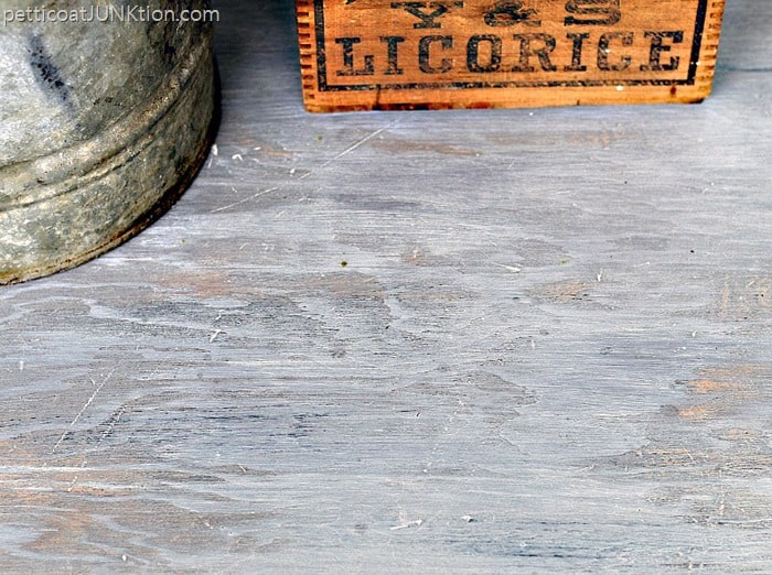 weathered gray wood finish Petticoat Junktion table project