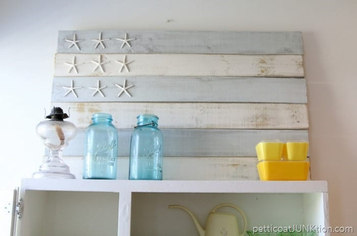 seashell star nautical flag decor