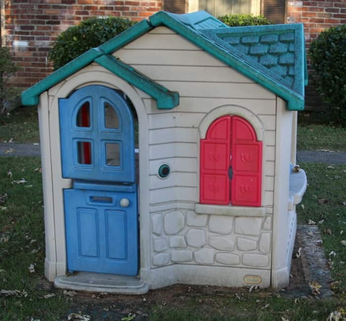 How To Paint A Little Tikes Playhouse With A Paint Sprayer