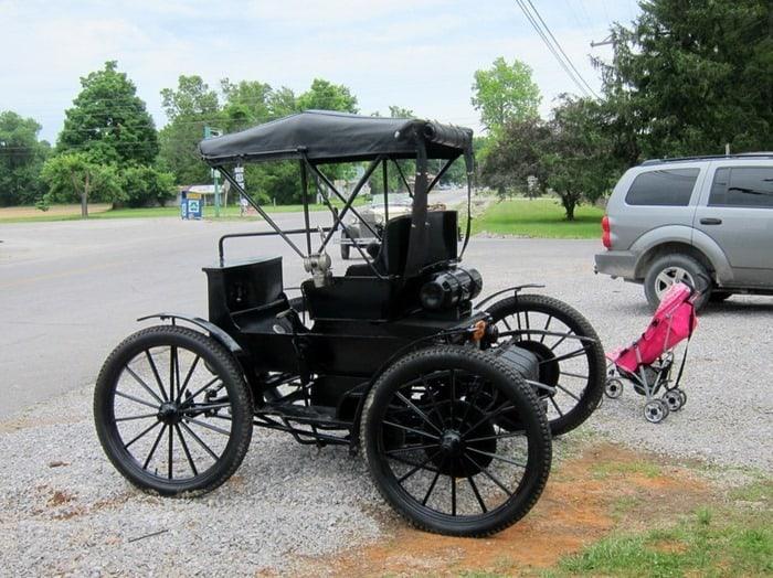 antique car 400 Mile Yard Sale