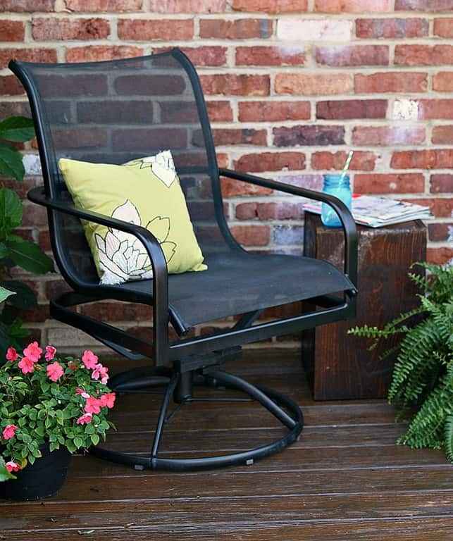 the easy way to paint metal patio furniture petticoat junktion. Black Bedroom Furniture Sets. Home Design Ideas