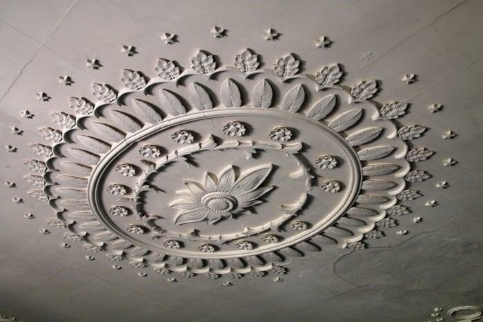 ceiling medallion Drayton Hall