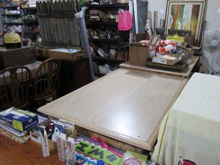 shop table