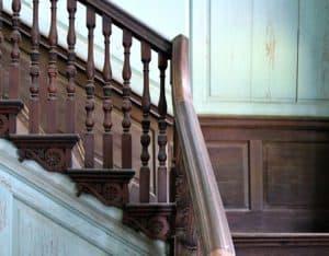 staircase-Drayton-Hall.jpg