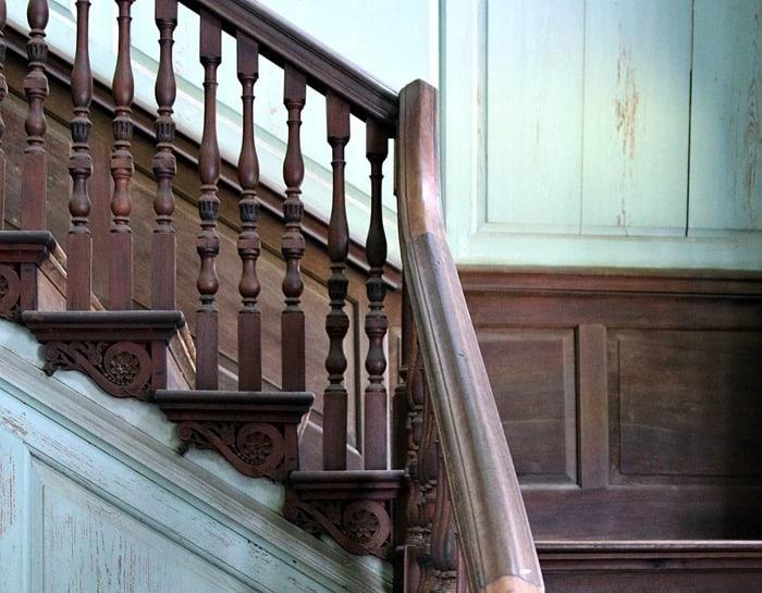 staircase Drayton Hall