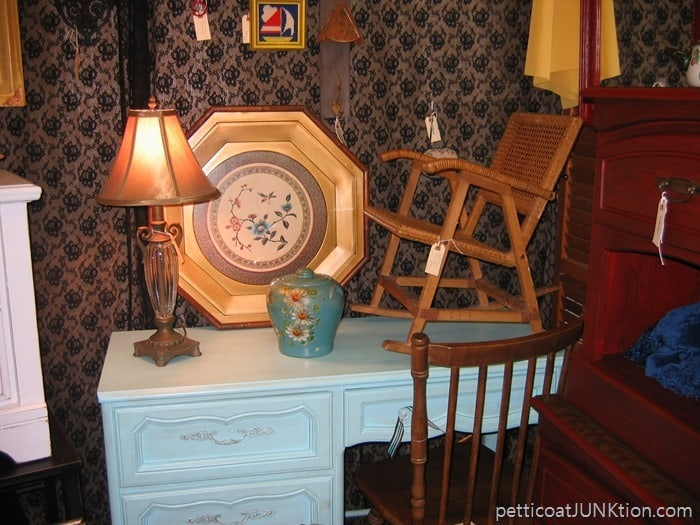 Alyssas Antique Depot Florida my booth Petticoat Junktion old days