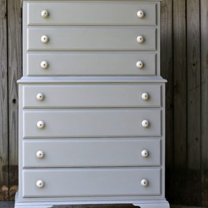 Granddaughter-Paints-Bedroom-Furniture-Gray-Pettiocat-Junktion.jpg