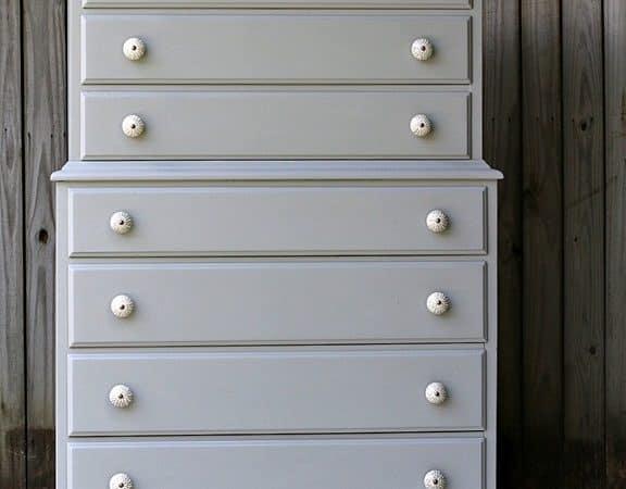Granddaughter-Paints-Bedroom-Furniture-Gray-Pettiocat-Junktion.jpg