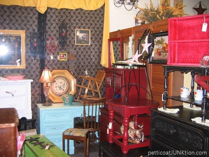 Petticoat Junktion Alyssas Antique Depot Florida my booth