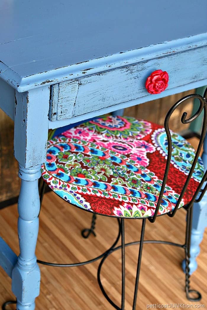 Rose red drawer pull is perfect for the bombshell blue desk. project by Petticoat Junktion