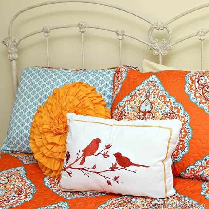 budget buy bedding in turquoise and orange from Bargain Hunt Petticoat JUnktion shopping trip
