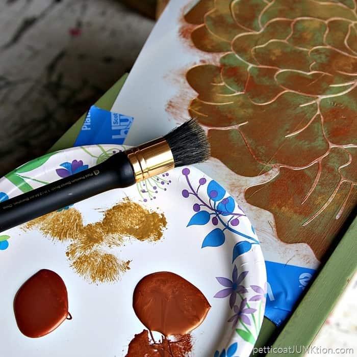 FolkArt Metallic Paint in Antique Gold