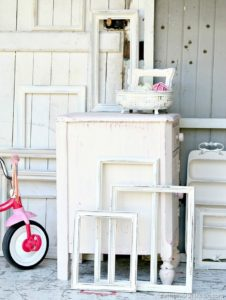 How-to-distress-painted-furniture-and-home-decor-Petticoat-Junktion-tips-and-techniques-4_thumb.jpg
