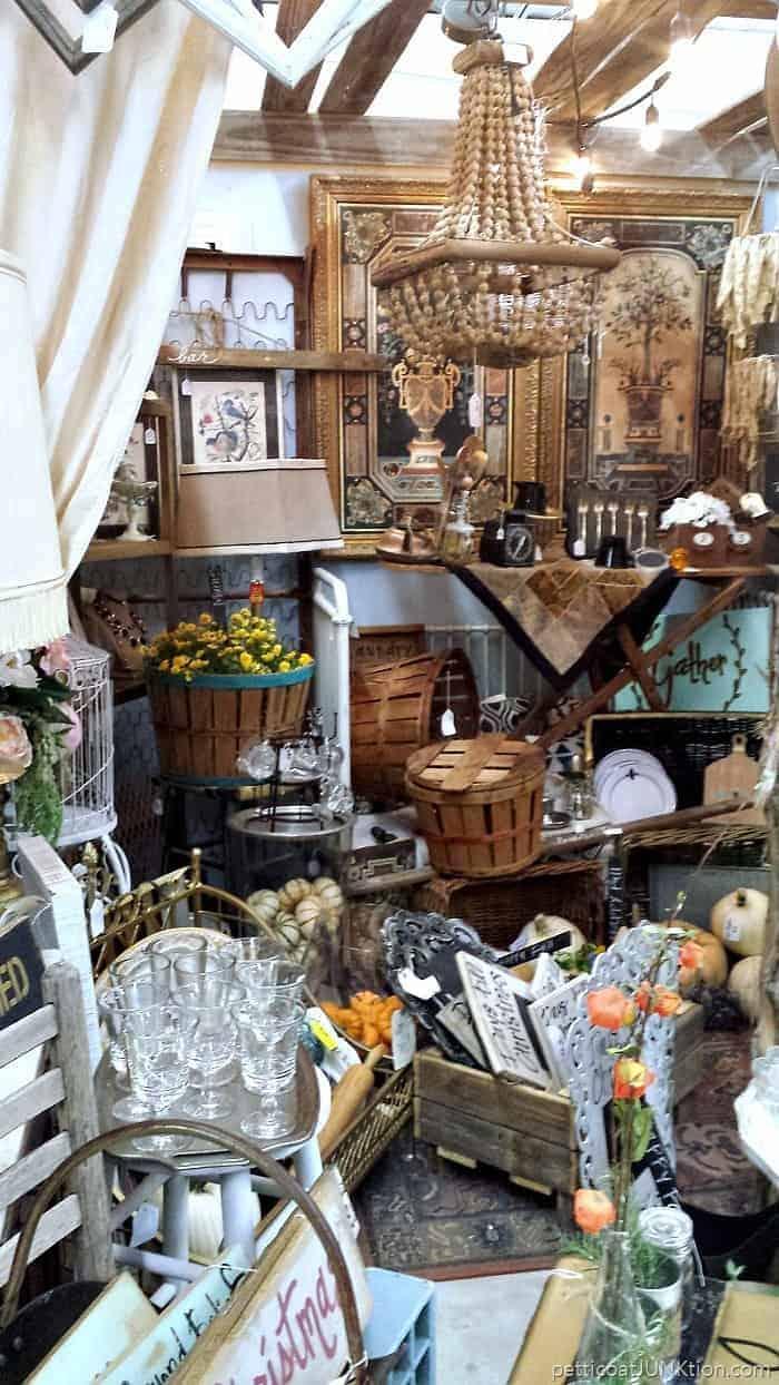 antique shop in Justin Texas