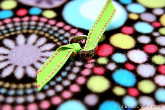 ring and ribbon trim for busy blanket