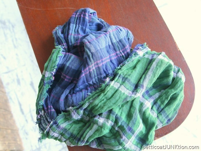 Goodwill-scarf-for-99-cents-Petticoat-Junktion-thrift-store-decor-project_thumb