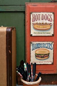 Creative-Kitchen-Wall-Decor-From-Two-Budget-Finds-2_thumb.jpg