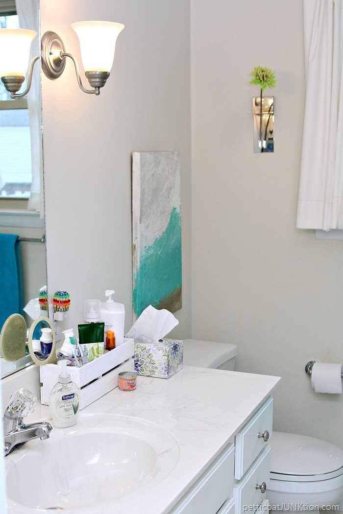 Decorating A Small Bathroom In Navy And Turquoise