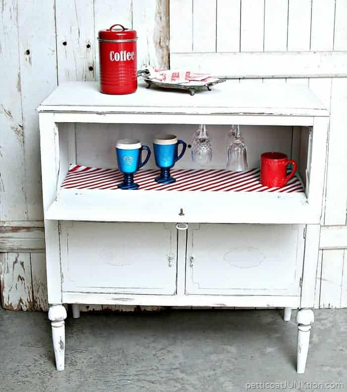 beverage cabinet for glasses and mugs and a variety of beverages 1