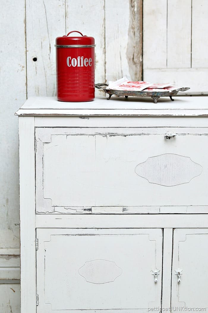 coffee and hot chocolate beverage cabinet
