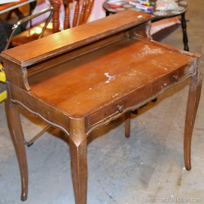 desk before makeover