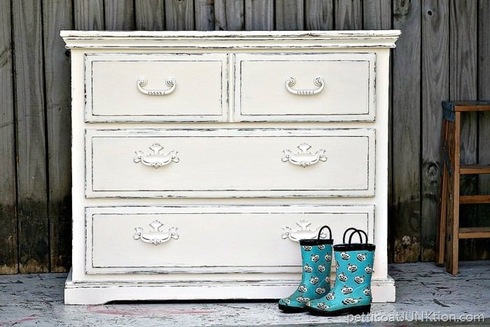 The Simple Beauty of White Distressed Paint