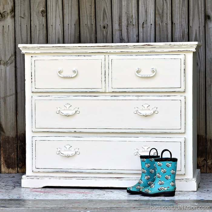 simple beauty of white distressed paint