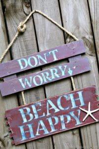 Beach-Happy-easy-DIY-sign_thumb.jpg