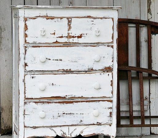 shabby-chic-coastal-furniture-project-dare-to-distress-white-paint.jpg