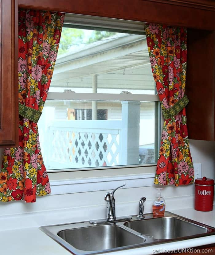new kitchen curtains made from vintage barkcloth and fabric trim tiebacks