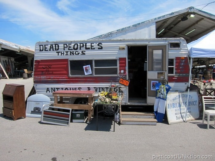 Dead Peoples Things vendor at the Nashville Flea Market