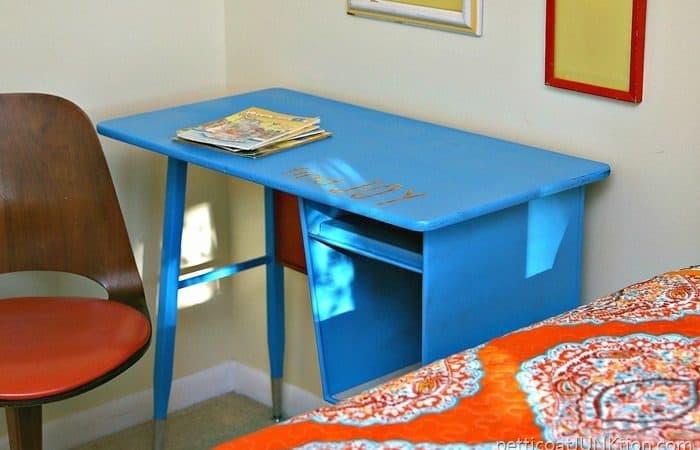 spray paint a metal desk