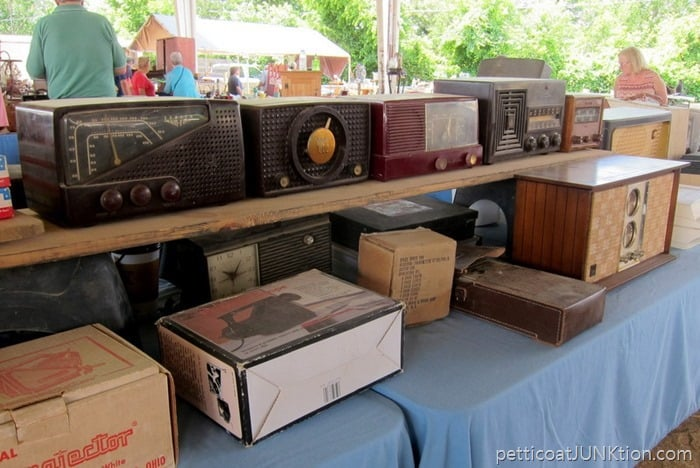 vintage radios Nashville Flea Market shopping trip with Petticoat Junktion