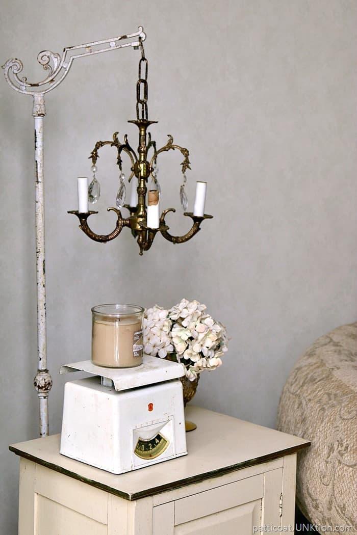 Vintage Chandelier Lamp Stand DIY 1