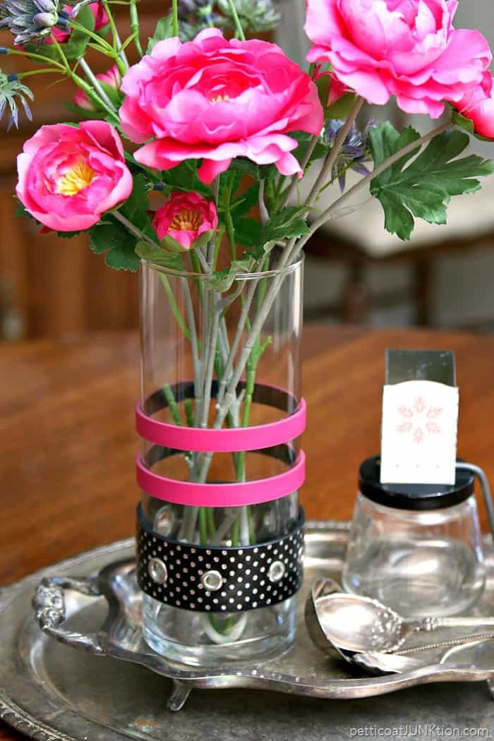 decorate a glass vase with recycled belts project
