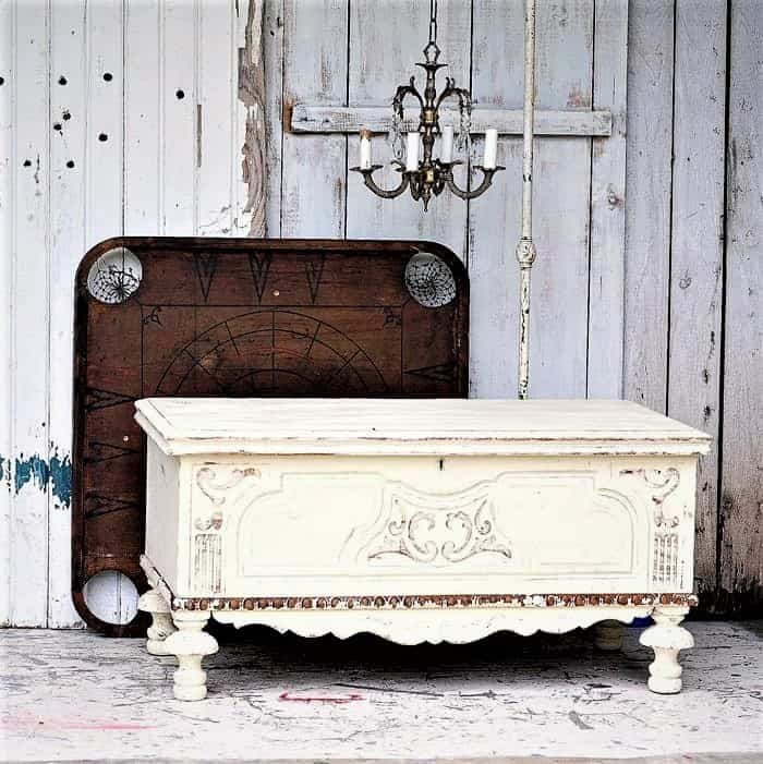 how to age painted furniture